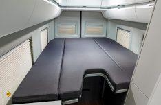 Der Grand California 680 hat Längs-Einzelbetten, die zum Doppelbett werden können. (Foto: Werk)
