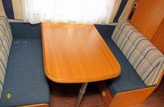Sind die Sitzkastendeckel wieder montiert und die Polster eingelegt, ist vom Umbau nichts mehr zu sehen. (Foto: has)