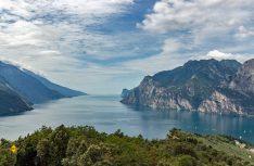 Schon ein bisschen Süden: Der Gardasee in Italien. (Foto: rent easy / Pixbay)