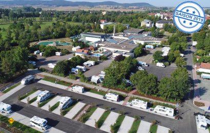 Jetzt gibt es knapp 100 Reisemobil-Stellplatz: Der erweiterter moderner Reisemobil-Stellplatz an der Franken Therme in Bad Königshofen. (Foto: Franken Therme)