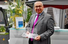 Für seinen Kunden- und Händlerservice und die langjährige hohe Qualität seiner Zelte hat Claus Winneknecht 2017 als Auszeichnung den Lupo des DCHV erhalten. (Foto: det)