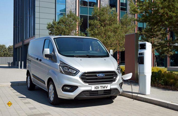 Die Plug-in-Hybrid-Version des Ford Transit Custum ist jetzt als serienreifes Fahrzeug vorgestellt worden. (Foto: Ford)