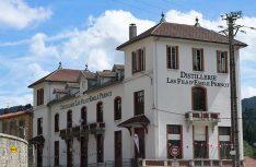 """Absinth-Distillerie Pernot in Pontarlier – hier wohnt die """"grüne Fee"""". (Foto: Pernot)"""