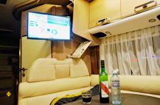 Der Fernseher kommt aus dem Dachstaukasten. (Foto: alf)