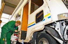 Gerade jetzt nach der Urlaubssaison beauftragen zahlreiche Caravan- und Wohnmobilbesitzer die Werkstätten damit, noch vor der Winterpause kleine Blessuren oder Unfallschäden instand zu setzen. (Foto: MT-Archiv)
