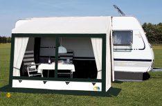 Das Frankana Ganzjahresteilzelt Tessin für Wintercamping mit dem Caravan. (Foto: Frankana)