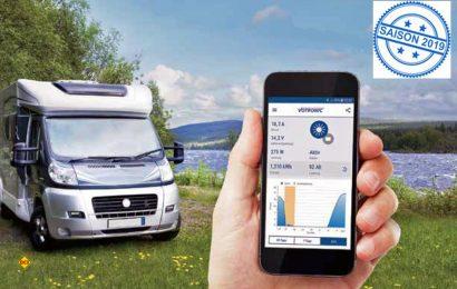 Mit dem Energy Monitor von Votronic können die gesamten Informationen der Bordbatterie und alle Daten der Solar-Anlage komfortabel über das Handy oder Tablet abgelesen werden. (Foto: Votronic)