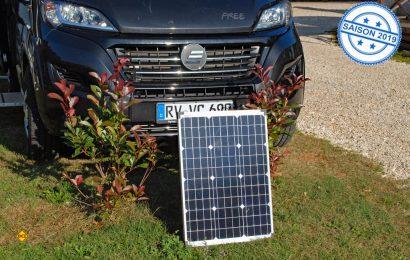 Mit dem mobilen Solar-Set von Revolt bekommt man für gängige Geräte unterwegs jederzeit 230-Volt Strom geliefert. (Foto: (det)