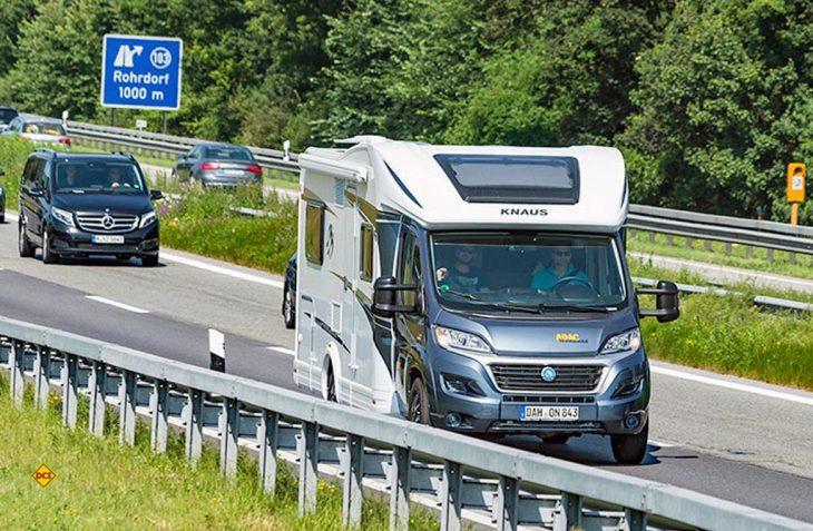Der Jahreswechsel bedeutet immer auch zahlreiche Gesetzesänderungen durch Bund und Länder für alle Bürger. Auch im Straßenverkehr und Automobilbereich dürfen Fahrzeugbesitzer im neuen Jahr mit Neuerungen rechnen. (Foto: ADAC)
