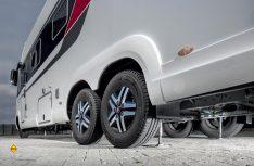 Das neue hydraulischen Levelsysteme M für Reisemobile) von Al-Ko-E&P Hydraulics kann künftig einfach und bequem per Tablet oder Smartphone-App bedient werden. (Foto: Al-Ko)