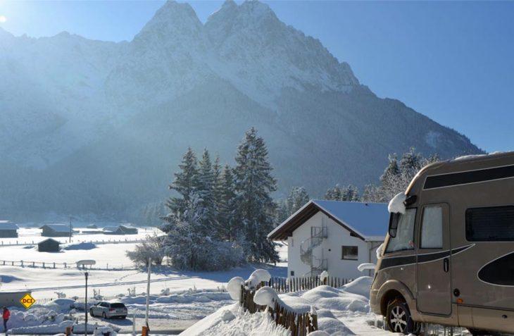 Winterfeste Frezeitfahrzeuge und Top-ausgestattete Premium-Campingplätze machen Wintercamping zum reinen Vergnügen: (Foto: PremieumCamps)