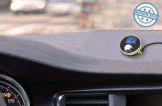 Mit dem Mini-Adapter DR 54 stellt Albrecht einen schicken DAB+-Radioadapter zur digitalen Nachrüstung von Autoradio und Stereoanlage zuhause vor. (Foto: Werk)