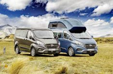 Zwei Versionen: Der Ford Nugget mit Aufstelldach und Hochdach. (Foto: Werk)