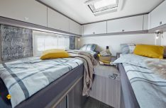 Den neuen Hoby Van wird es in zwei Ausführungen geben: Hier der V65 GE mit zwei länges eingebauten Einzelbetten. (Foto; Werk)