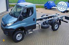 Umgerüstet und aufgelastet: Der Iveco-Daily 4x4 wartete nach der Umrüstung bei Fahrzeugbau Meier auf seinen Einsatz. (Foto: Meier)