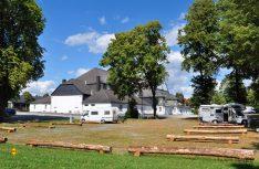 Die Schützenbrüderschaft Brilon hat am Schützenhaus einen Stellplatz für 12 Reisemobile eingerichtet. (Foto: Stadt Brilon)