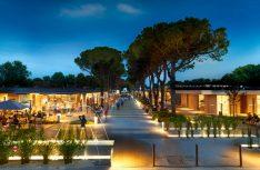 Der CTJ-Meilenstein 2019 für den Campingplatz Marina di Venezia wurde für innovative Campingplatz-Architektur überreicht. Der Platz setzt Impulse für Camping-, Freizeit- und Tourismuswirtschaft. (Foto: Marina di Venezia)