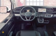 Das neue digitale Cockpit des neuen VW Transporter T6.1. (Foto: Werk)
