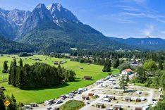 Das Panorama? Überwältigend! Die Möglichkeiten? Vielfältig! Wo gibt es das alles? Natürlich im Camping Resort Zugspitze! (Foto: Louis Huber)