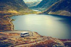 Mit dem Reisemobil an die schönsten Orte der Welt. Wohnmobil-Vermietung von Privat zu Privat ist ein Trend in der Branche. (Foto: Yescapa)