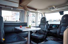 Gemütliche Sitzecke im Lounge-Charakter in der Hymer B-Klasse MasterLine. (Foto: Werk)