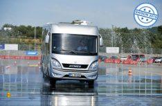 Der Caravan- und Reisemobilhersteller Hymer bietet auch in diesem Jahr die erfolgreichen Fahrsicherheitstrainings für Caravan-Gespanne und Wohnmobile an. (Foto: Hymer / André Kirsch)