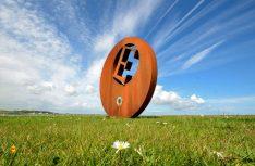 Burr Point, der östlichste Punkt Irlands ist mit einer Skulptur gekennzeichnet. (Foto: Ireland Tourism)