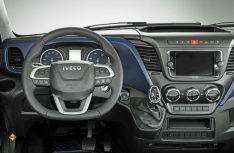 Auch Cockpit und Lenkrad des neuen Iveco Daily wurden überarbeitet. (Foto: Iveco)