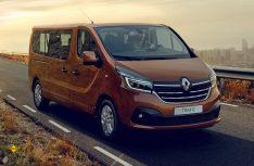 Der Trafic erhält ein neues Außendesign und stärkere und sparsamere Motoren. (Foto: Renault)