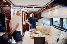 Auch der Innenraum des einmaligen Reisemobils ist exklusiv gestaltet. (Foto: det / DCI)