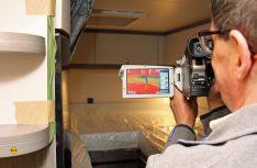 Mit der Wärmebildkamera werden isolatorische Schwachstellen aufgedeckt. (Foto: Hobby)