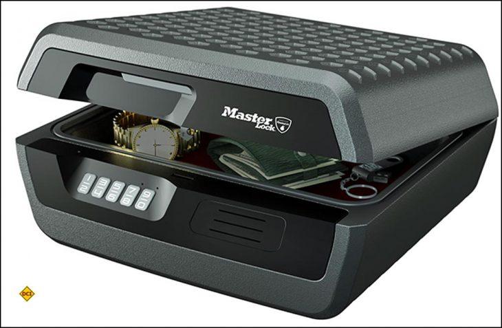 Sicherheit bei Diebstahl, Feuer und Wasser: Die Master Lock Sicherheitskassetten schützen Dokumente und Wertsachen unterwegs im Mobil und Caravan. (Foto: Master Lock)
