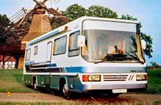 Im Sommer 1989 wurde der erste Vario Perfect der neuen Baureihe als Perfect 900 auf einem vollluftgefederten MAN-Chassis mit Heckmotor präsentiert. (Foto: Vario)