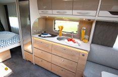 Die größeren Nomand-Modelle erhalten einen neuen Küchenblock in modernem Design. (Foto: Werk)