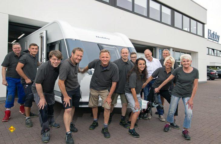 Beim Freizeitfahrzeug-Hersteller Hobby aus Fockbek in Schleswig-Holstein ging jetzt der 600.000te Wohnwagen vom Band. (Foto: Hobby)