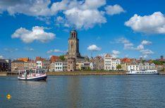 Die Städte und Dörfer vom Wasser aus entdecken: Typische Ijsselansicht. (Foto: Niederländische Hanse)