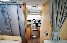 Der Editions-Van T 68 mit Einzelbetten im Heck und einem Hubbett im Font. (Foto: det / D.C.I.)