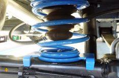 Für den Ford Custom bietet VB mit der CoilSpring eine verstärkte Zusatzfeder an. (Foto: VB)