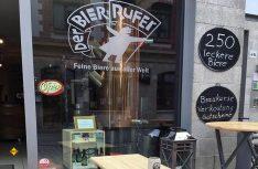 Creaft-Beer in Sachsen: Der Bierrufer hat Erfolg: Viele Gäste folgen dem Ruf. (Foto: Holidu)