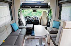 Sehr komfortable Lounge-Sitzgruppe mit Face-to-Face-Sitzbänken. (Foto: det/D.C.I.)