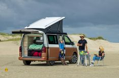as Haus am Meer: Vier Schlafplätze bitete der VW California an. (Foto: VWN