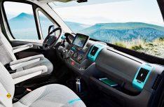 Das Design mit mintgrünen Accessoires setzt sich auch im Cockpit fort. (Foto: Peugeot)