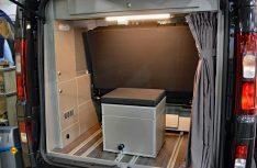 Die Box für eine MobilToilette Porta Potti im Heck des Schirner Renault FreeMulti. (Foto: det / D.C.I.)