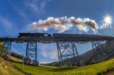 Das Erzgebirge ist Partnerregion der Messe Touristik & Caravaning 2019. Hier die bekannte Erzgebirge-Aussichtsbahn. (Foto: T&C Leipzig)