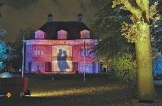 Das Lichtkunstfestival GLOW lässt Eindhoven in den buntesten Farben erstrahlen. (Foto: NBTC)