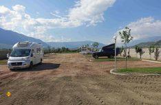 Noch im Aufbau - Camping Family bei Gjirokaster. (Foto: thw / D.C.I.)