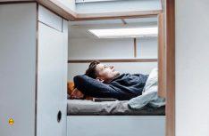 Die komfortablen Stockbetten im Frontbereich. (Foto: Polygon Shelter)