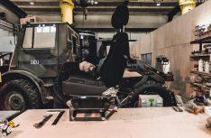 Nach der technischen Überholung werden Basisfahrzeuge mit auf fernreisetauglichen Stand gebracht (Foto: Polygon Shelter)