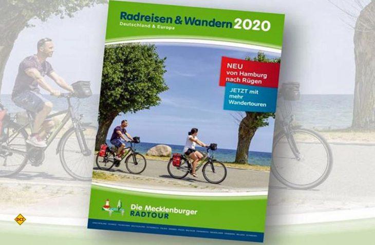 """Der neue Katalog """"Radreisen und Wandern 2020"""" der Mecklenburger Radtour (Foto: Die Mecklenburger Radtour GmbH)"""