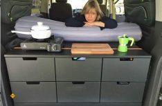 Selbstausbau eines Multivan: Für den einfachen Campingurlaub denkbar, aber man muss sich mögen. (Foto: Schwarz)